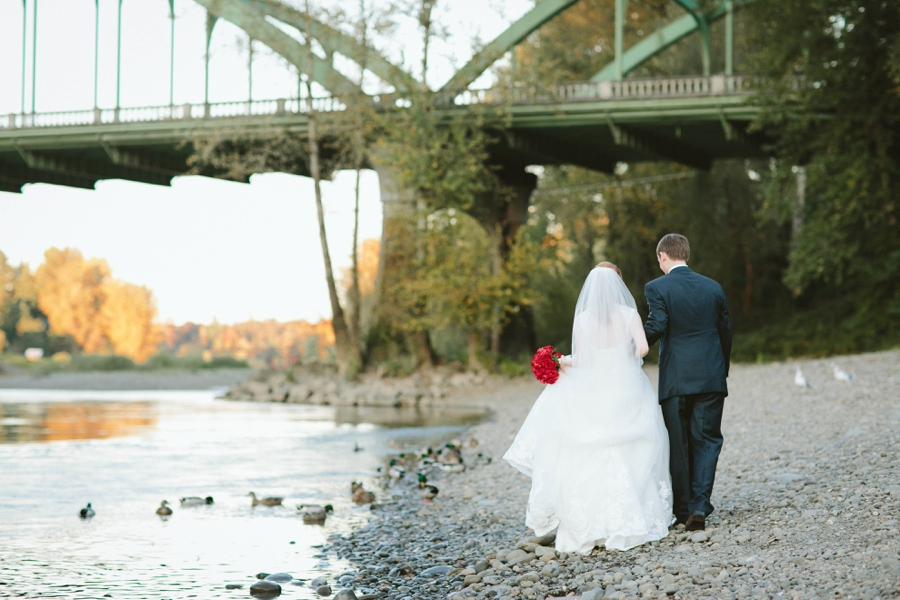 16_Abernethy_Center_Oregon_City_Oregon_Wedding_Photo.JPG