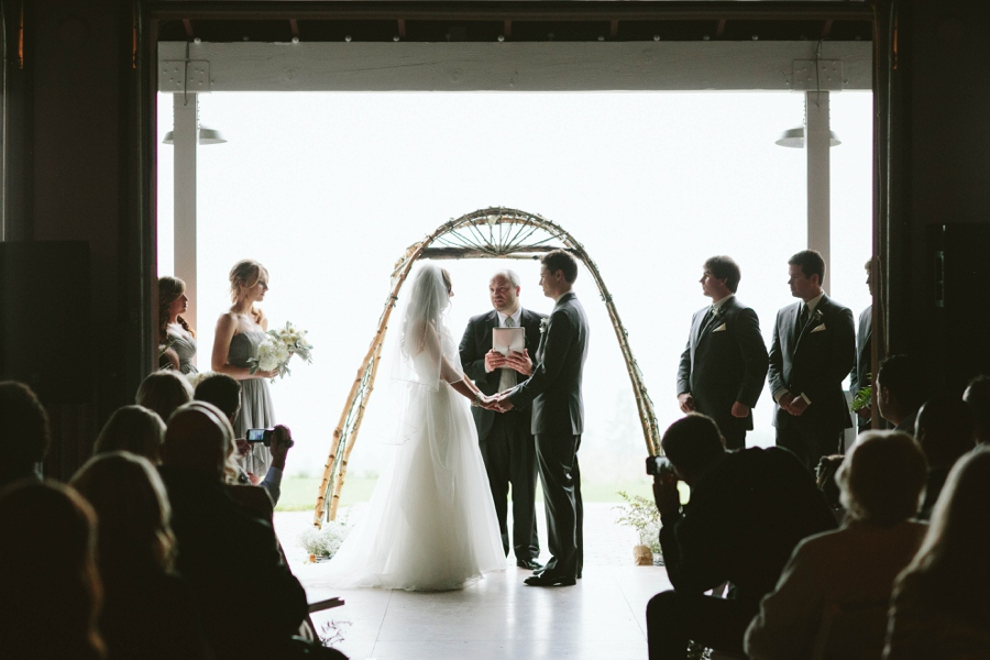 12_Gorge_Crest_Vineyards_Underwood_Washington_Wedding_Photo.JPG