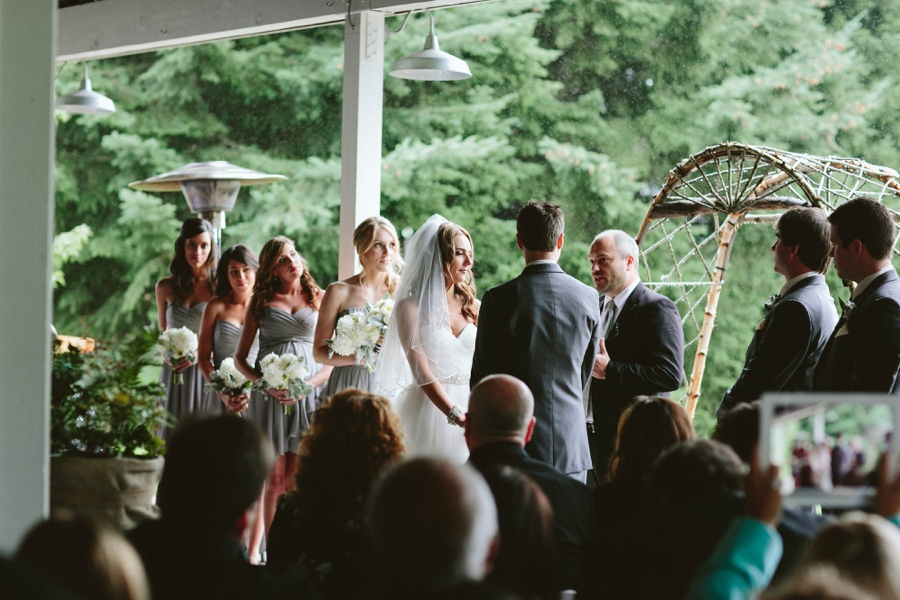 13_Gorge_Crest_Vineyards_Underwood_Washington_Wedding_Photo.JPG