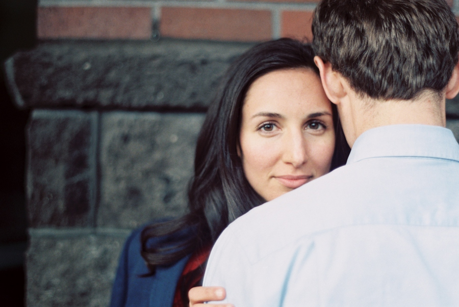 12_Downtown_Bend_Oregon_Engagement_Session_Photo.JPG