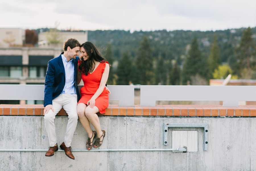 11_Downtown_Bend_Oregon_Engagement_Session_Photo.JPG