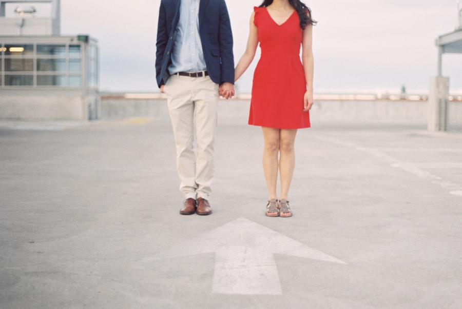 13_Downtown_Bend_Oregon_Engagement_Session_Photo.JPG