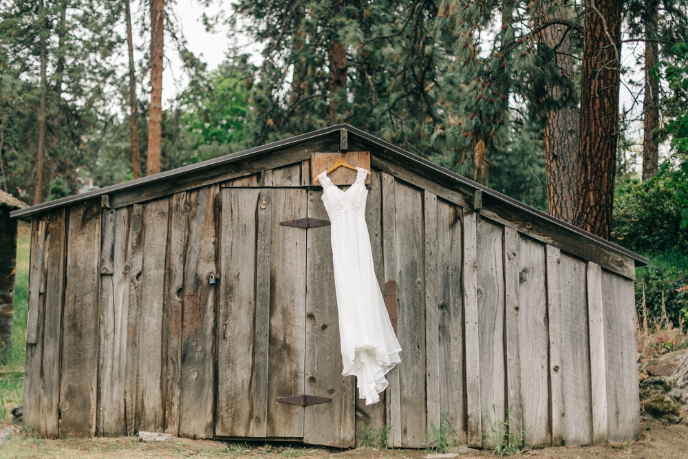 037_Hollinshead_Park_Bend_Oregon_Wedding_Photo.JPG