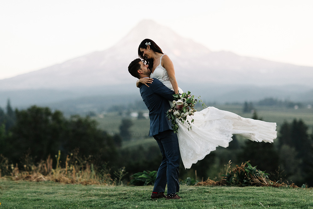 Mt_Hood_Organic_Farms_Hood_River_Oregon_Wedding_Photo_08.JPG