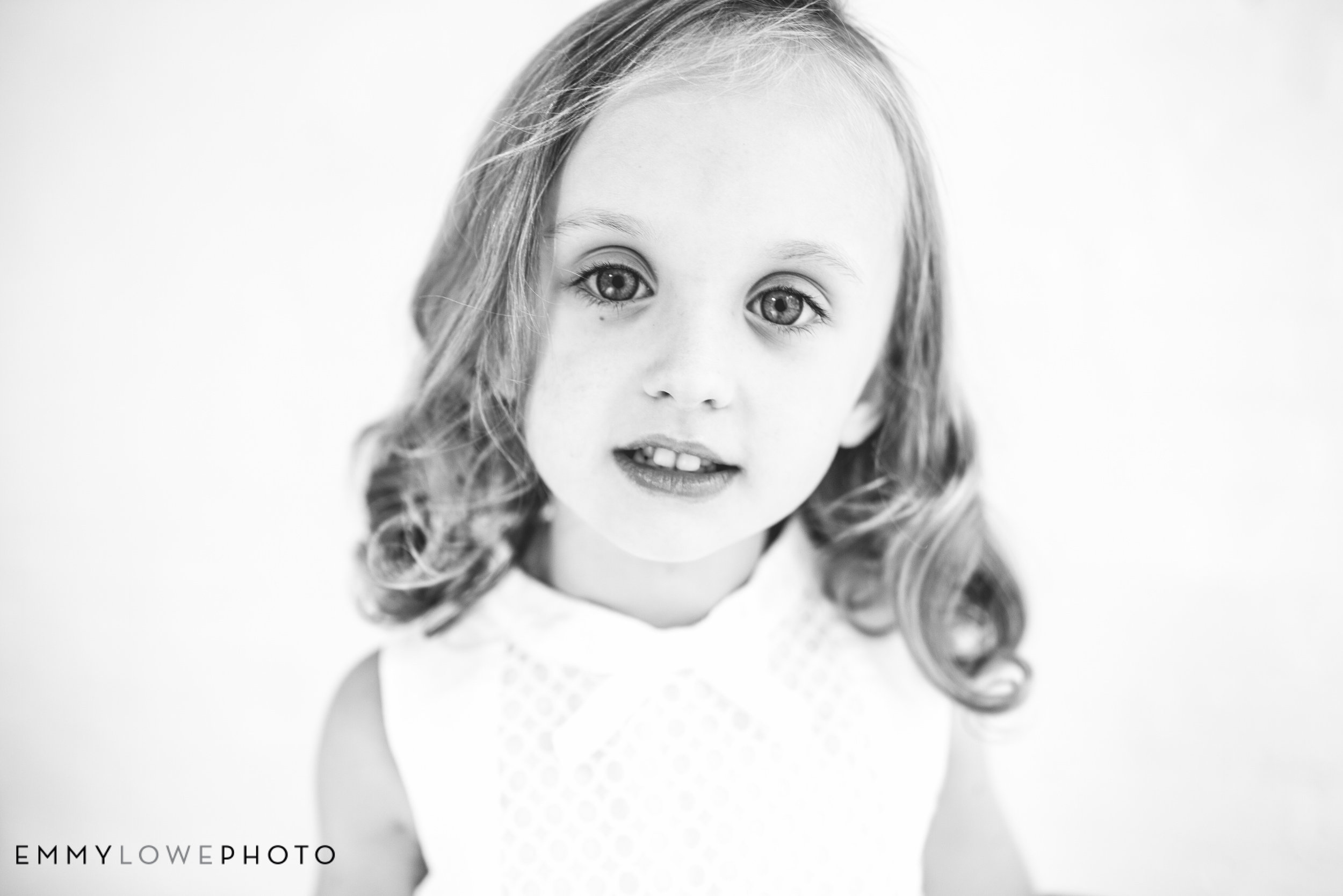 EmmyLowePhotoErinBrookBW-14.jpg