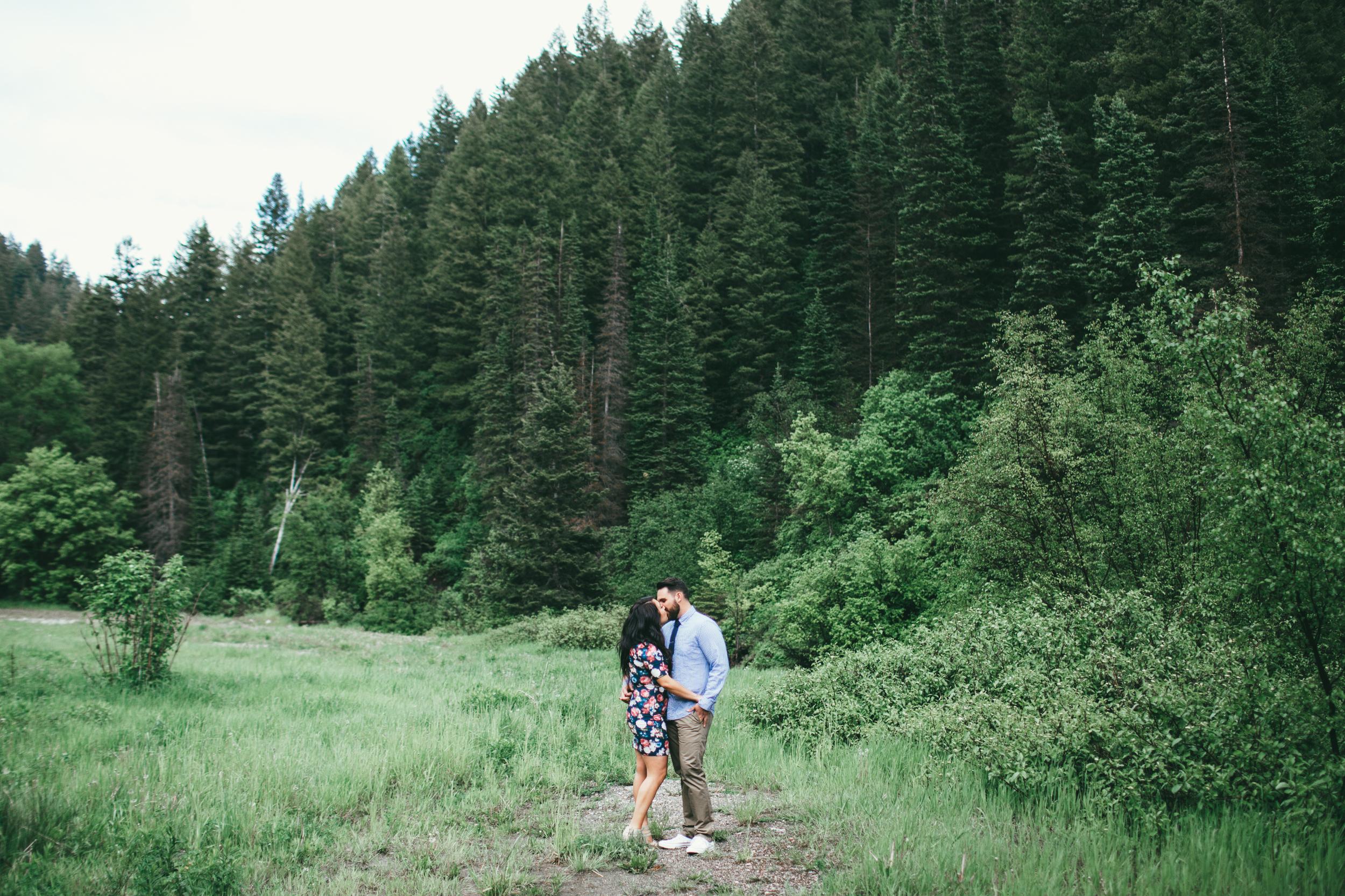 EmmyLowePhotoChelsyBrianEngagements-33.jpg