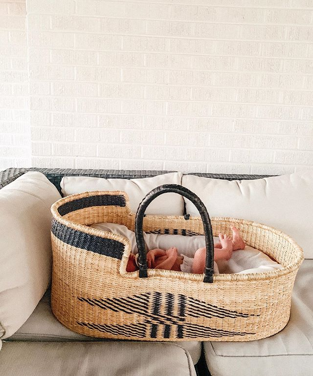 TOES ✨ this little one lives for being outside and the warm weather and I can't blame him!  Beautiful basket from @maewoven  #helloemmylowe #augielowe #emmylowepresets