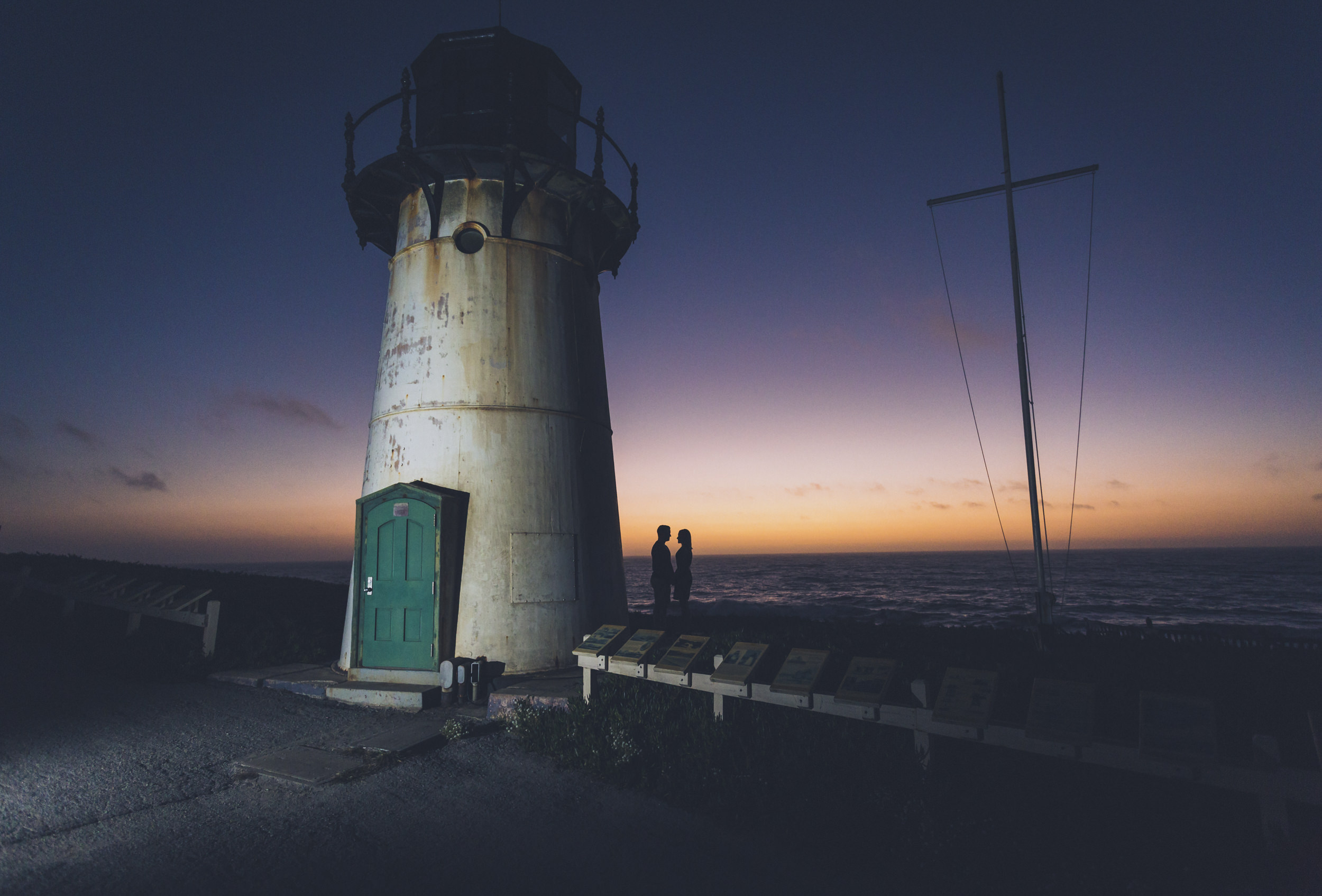 lighthouse-engagement-session-sunsete-california-2.jpg