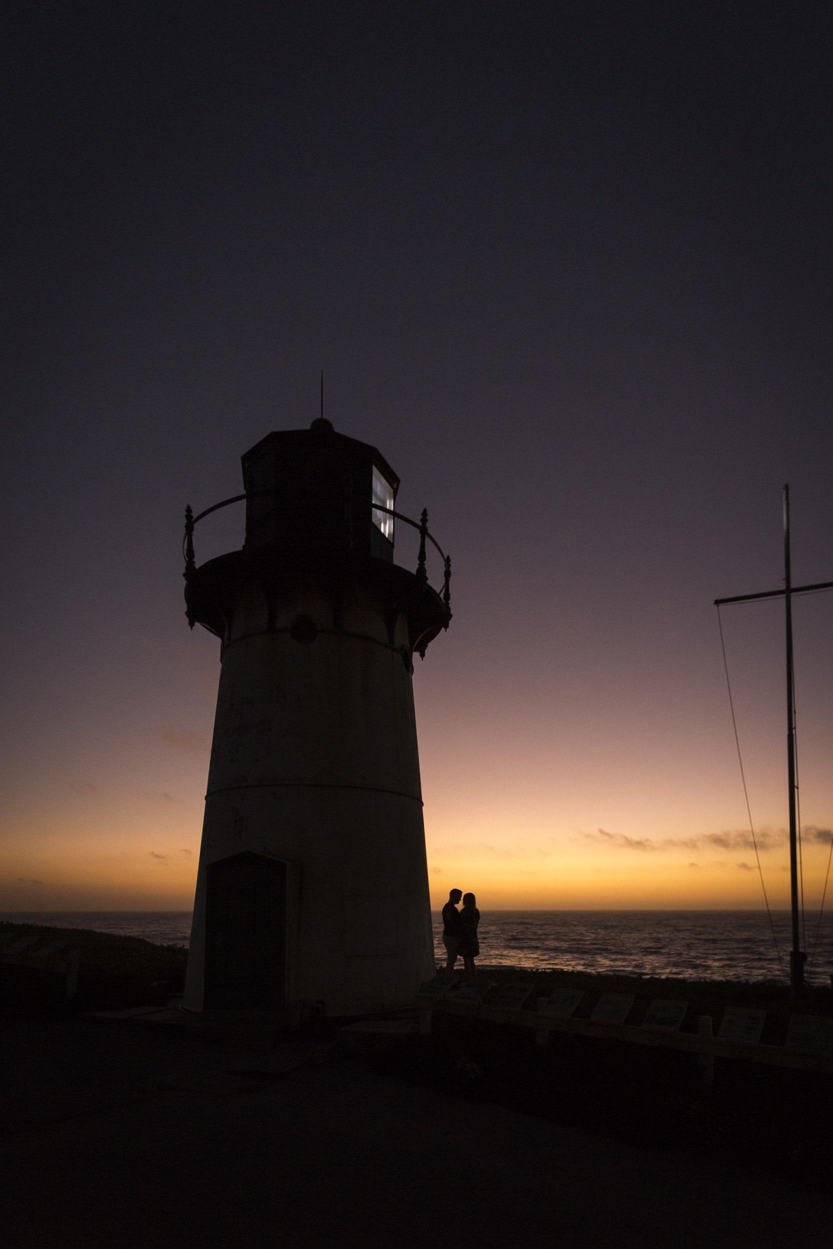 lighthouse-engagement-session-sunsete-california-1.jpg