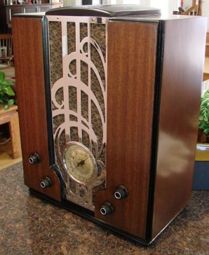 Zenith model 829 is a 7 tube radio. This is the middle of the chrome grille model tombstones for 1935. I think this is the nicest looking grille of the 3 radios. This radio still has it's original grille cloth. Reproduction cloth for this model is not available.