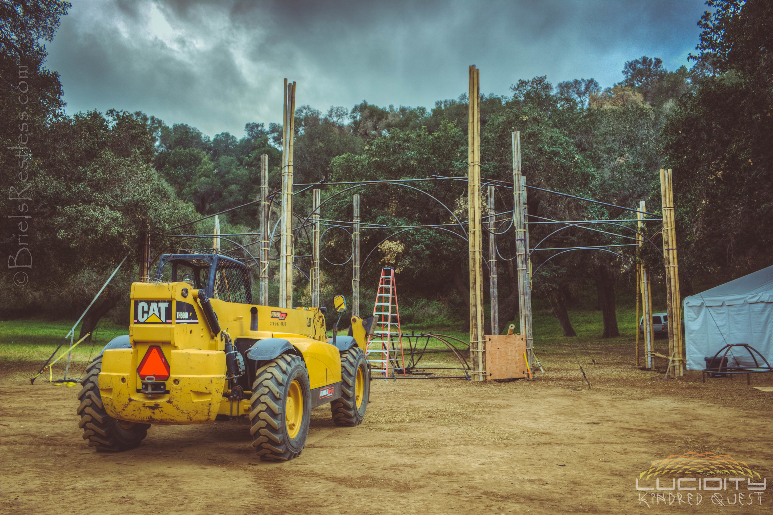 Lucid Stage Build - Tractor - Main Stage - Luciditiy - Kindred Quest - Build - April 2015 (1 of 1)-1.JPG