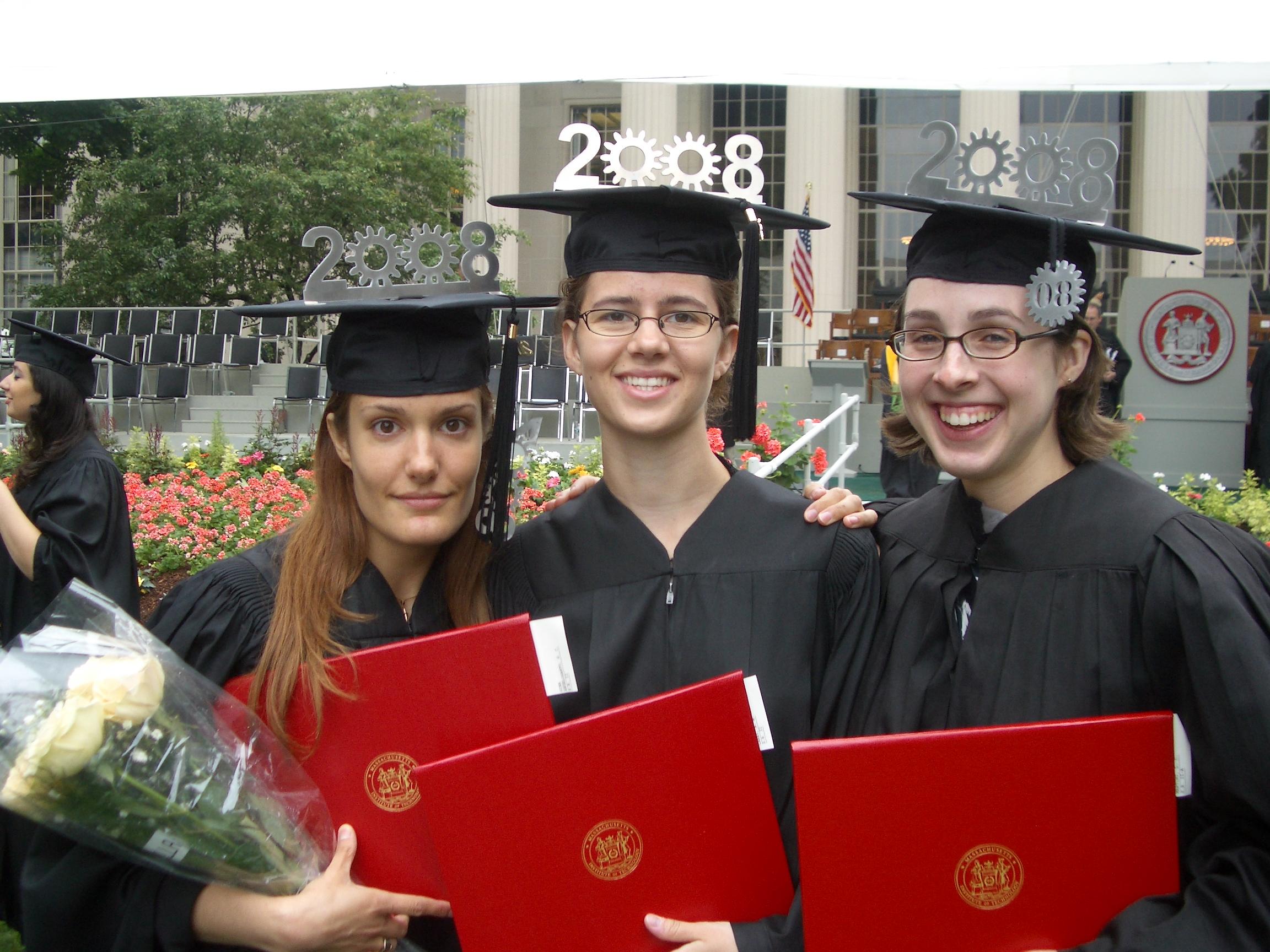 GraduationCap_01.png