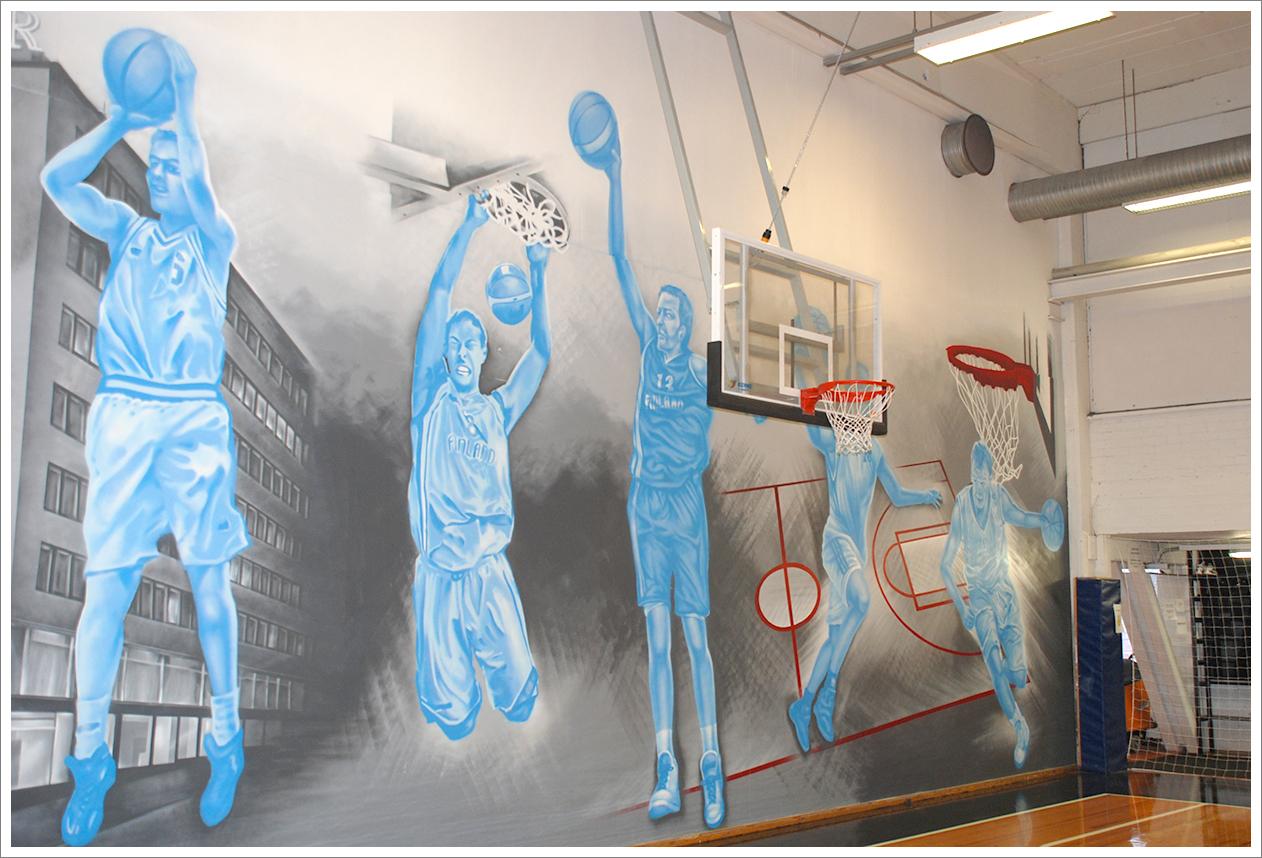 Malmin palloiluhallille maalattin 2013 Pavel Kuchkan toimesta upea seinämaalus, joka oli kunnianosoitus Suomen maajoukkueen uuden polven parhaille pelaajille.