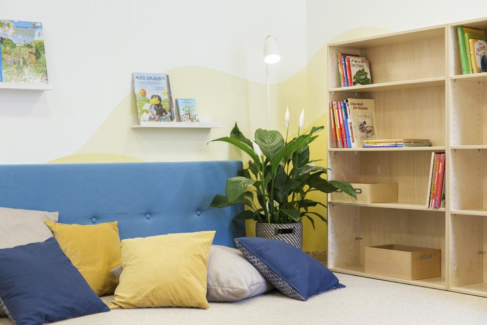 Durchdachte Funktionsbereiche strukturieren die Räume und bieten Anregung zur Gestaltung des Tages.