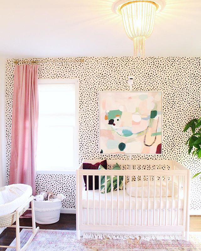 Happy Tuesday! Less than 2 weeks before baby girl's arrival, so I thought it was a good time to share her nursery with you! I love how it turned out and can't wait for its new occupant. 😍 The full tour is on the blog, link in profile. #lifestyledatlanta #nurserytour #babygirlnursery
