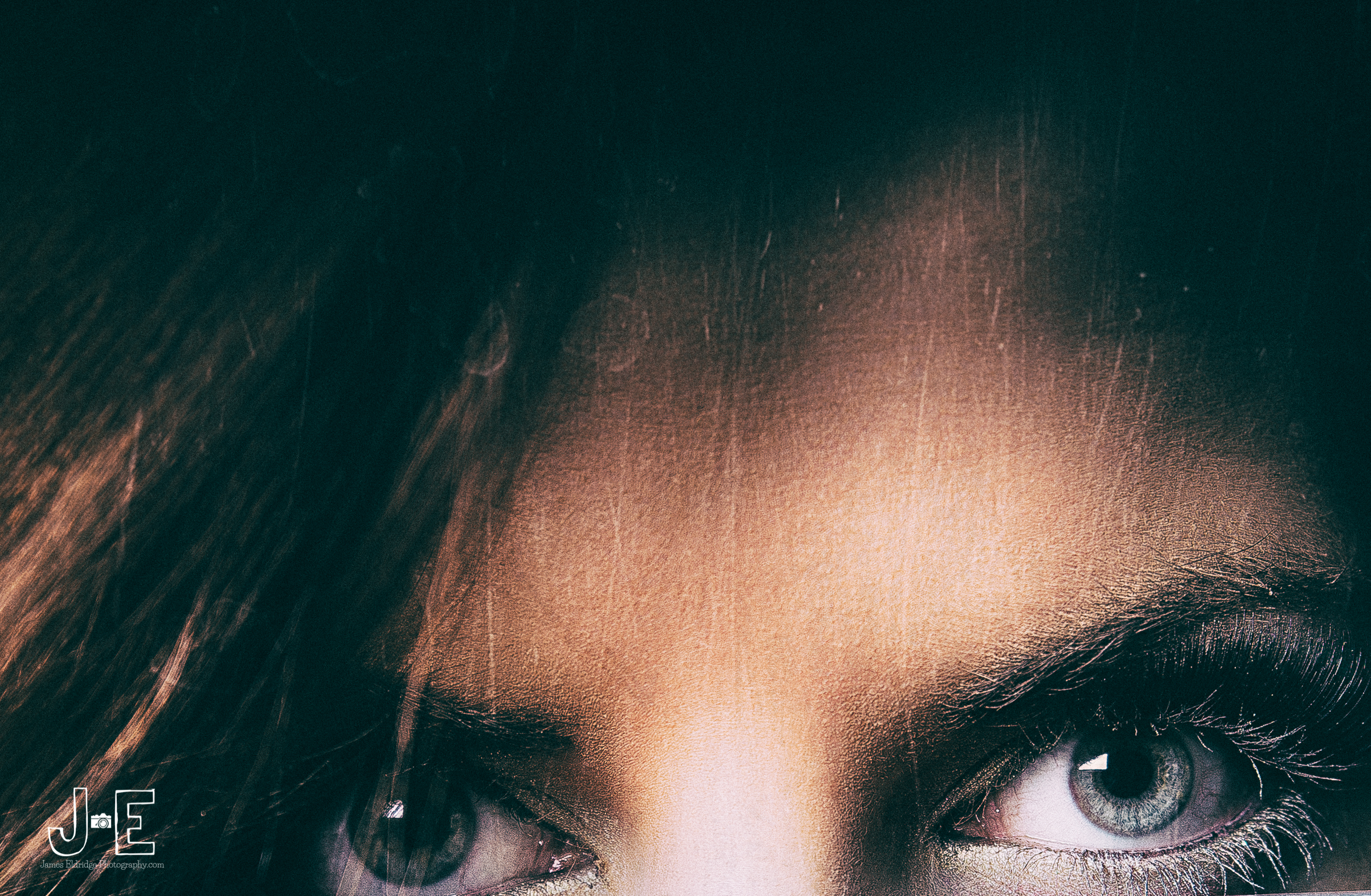 Dannii eyes