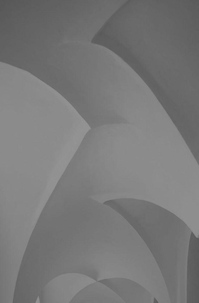 laura_thompson_curves_web01.jpg