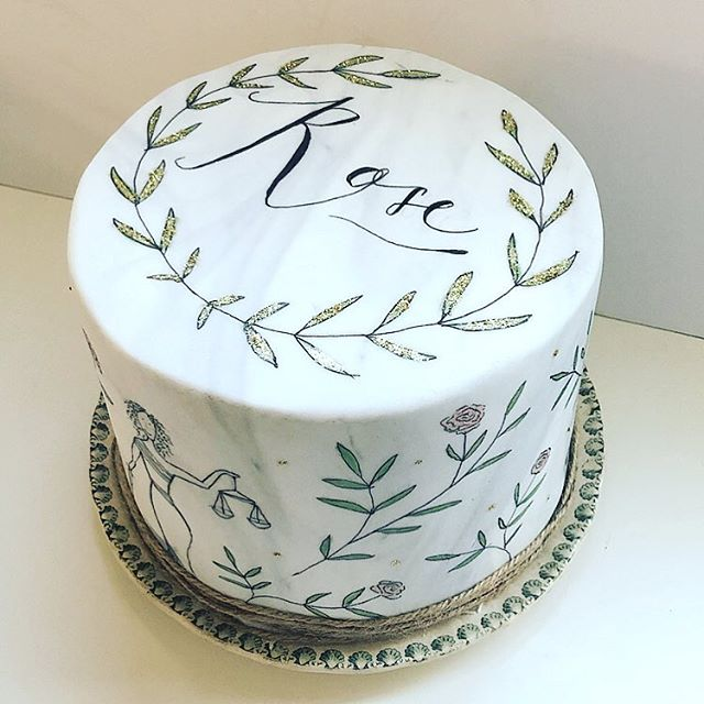 A marbled painted cake for the lovely Rose 🌹 Congratulations on becoming a fully fledged Lawyer ✨ #legallycurly  #cakedesigner #mimolodesign #cakedesign #cakeart #mimolocakes #celebrationcakes #weddingcakes #inspiredbynature #bloomandgrow #cakeartist