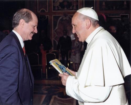 Anderson, Paul w-Pope Francis.jpg