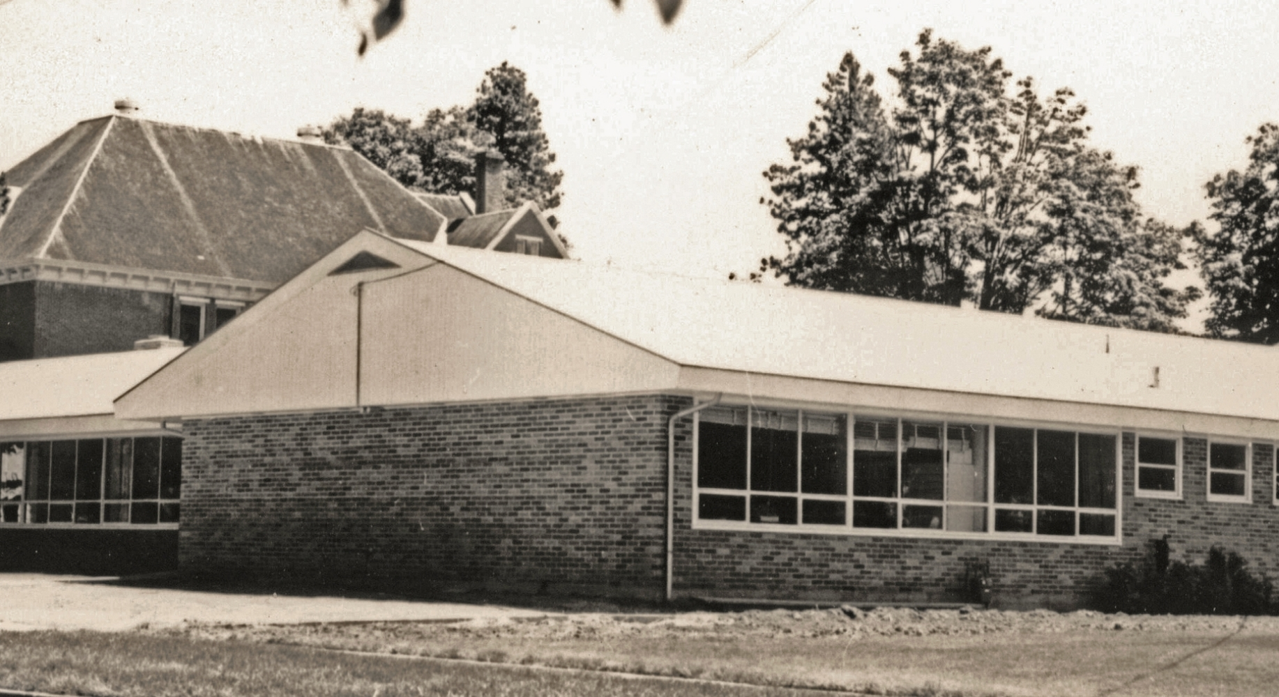 Barclay Press moved in 1961 from Portland to a new building in Newberg that included the offices of Northwest Yearly Meeting. The building is now a part of Newberg Friends Church facilities.