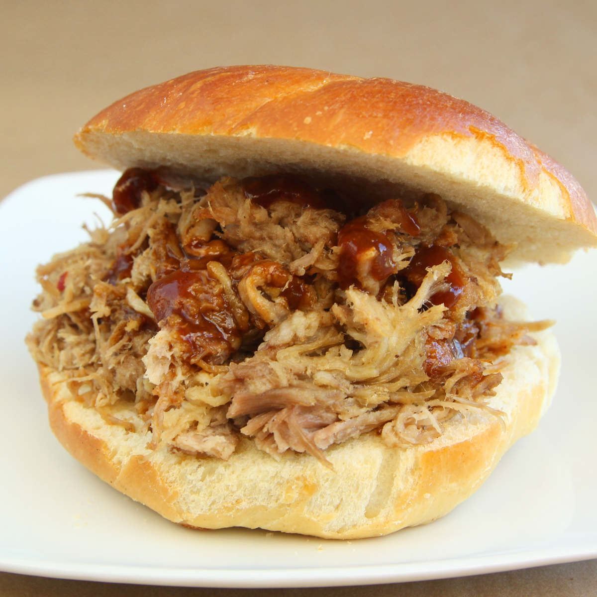 Traditional Carolina Pulled Pork BBQ - Feast for 6-8 People