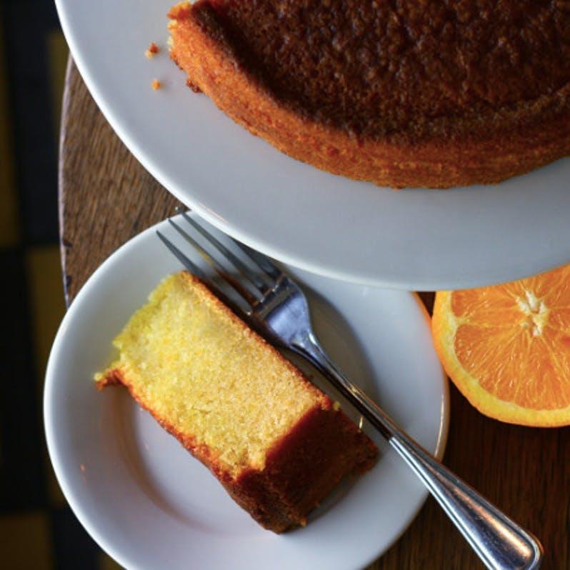 olive-oil-citrus-cake.a23dd96b62dd8fa0678ead155c5ce861.jpg