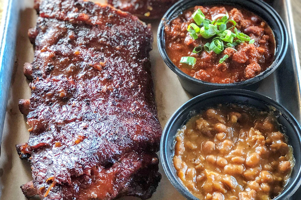 Dinosaur-BBQ-Ribs-Chicken-Combo-Product-7.jpg