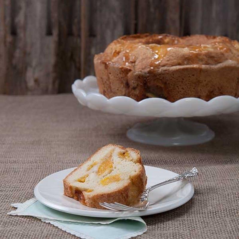 georgia-peach-pound-cake.8fe20ee6ed5d38fb237ecf42915c4a08 (1).jpg