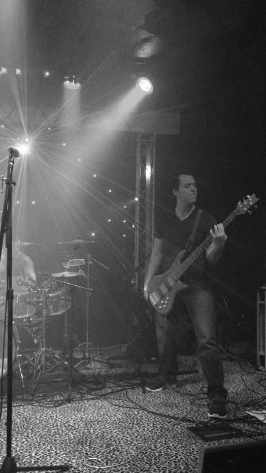 KENTIN CANTWELL - bass