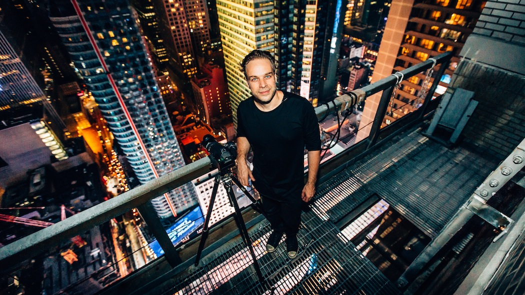Karsten above Times Square, ready to shoot.