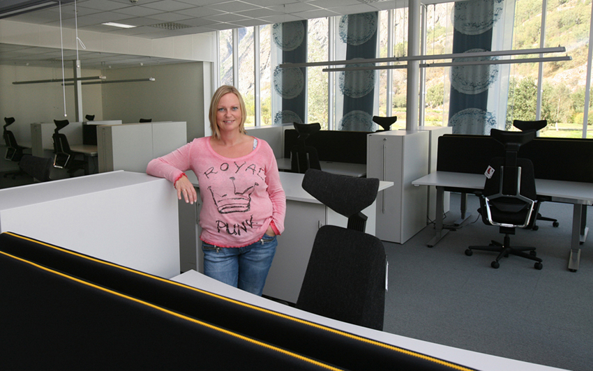 KLAR: Seksjonsleiar May Britt Berge Solheim gler seg til å ta i bruk dei nye lokala til Nasjonal Transportløyveseksjon.