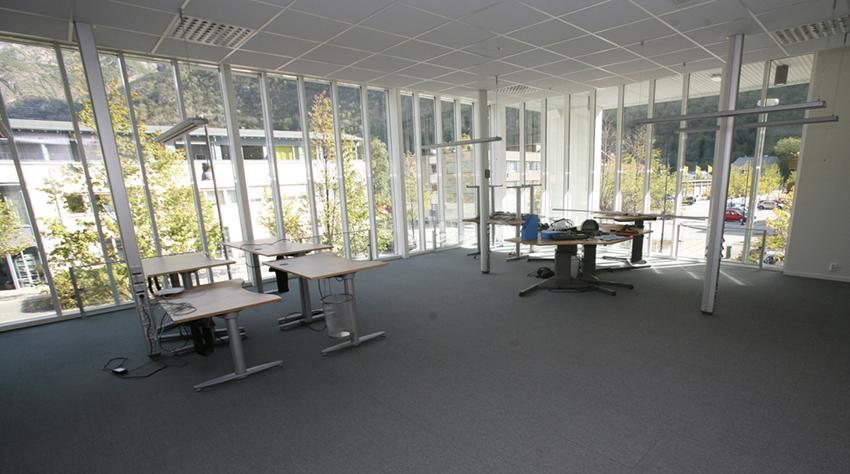 FOR ETABLERARAR: Dette lokalet er ledig. Det har ein verdi for Lærdal at lokale står ledig for firma som vil etablere seg.