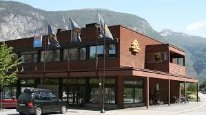Indre Sogn Sparebank si avdeling i Lærdal.