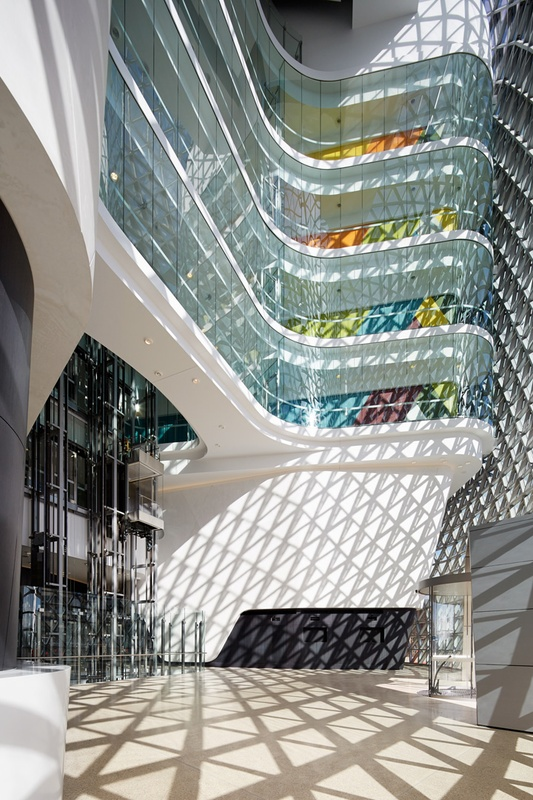 South Australian Health and Medical Research Institute (SAHMRI) by Woods Bagot.   Image:    Peter Clarke