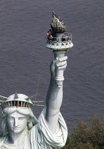 ozgurluk-heykeli-125-yasinda-ozgurluk-heykeli-new-york-1285067.jpg