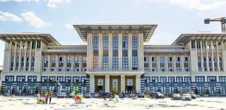Şefik Birkiye, Başbakanlık Hizmet Binası, Ankara 2014