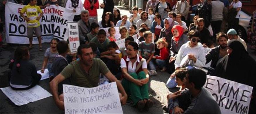 Resim  4  : Acele kamulaştırma kararı sonrası protestolar (soLportal, 2012)
