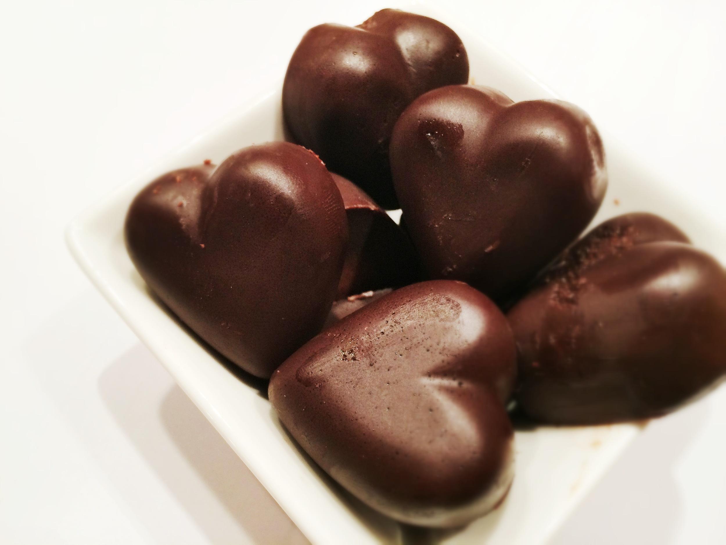 Deilig mørk sjokolade som smelter i munnen... Oppskrift fra Cecilie Testman.