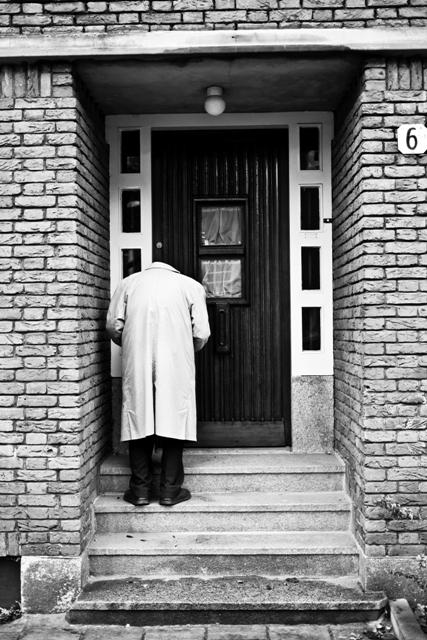 fomu street photography - 20121201 - 005 web large.jpg
