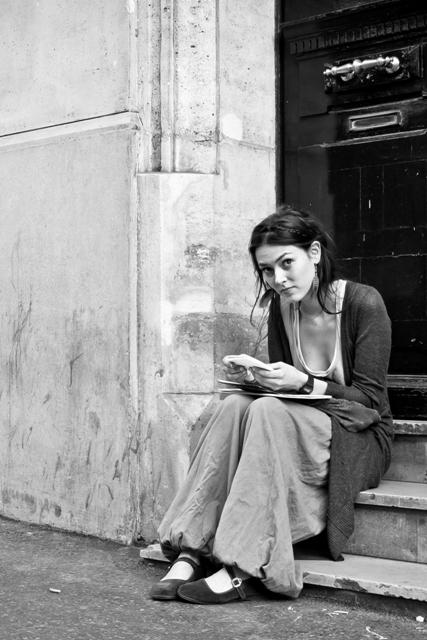 street photography - paris -  20110524 - 041 web large.jpg