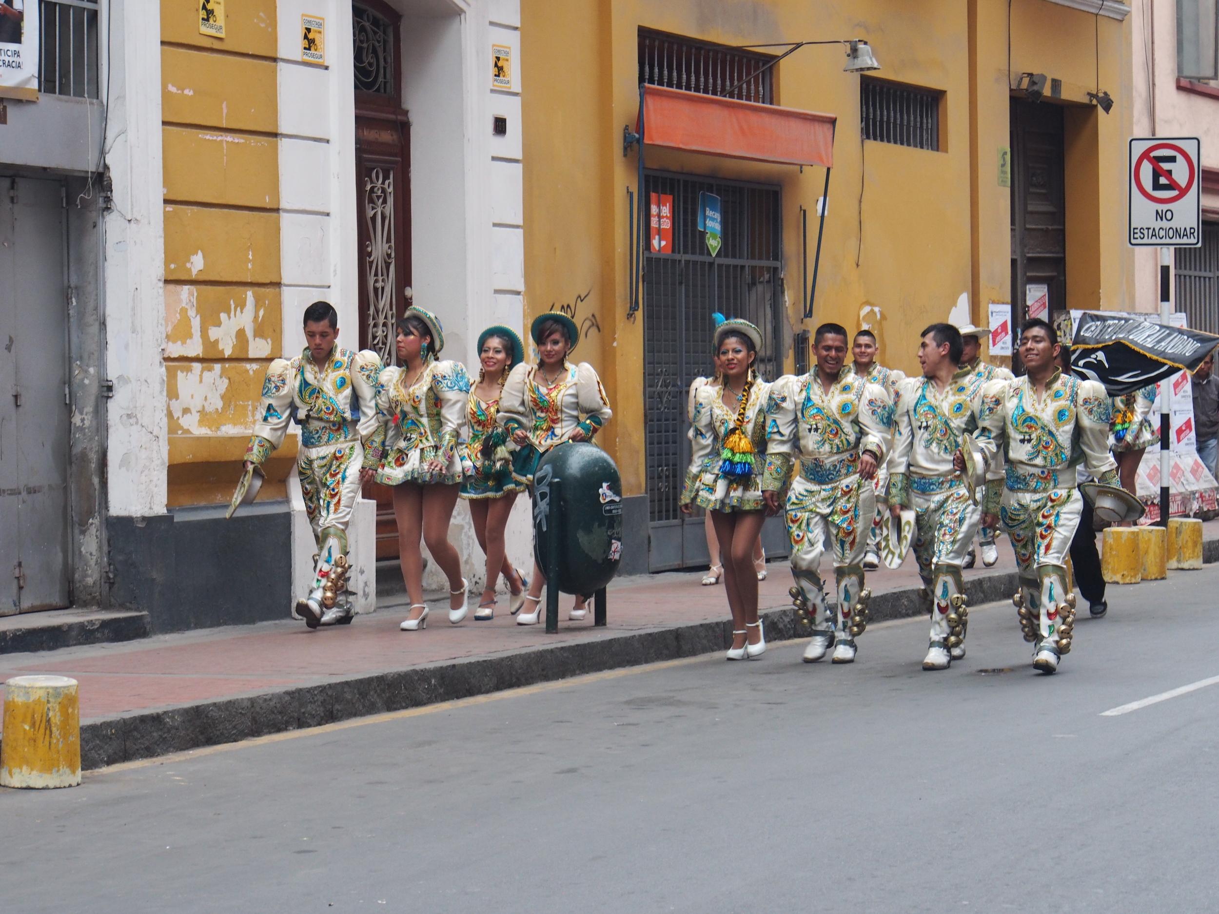 Lima street dancers