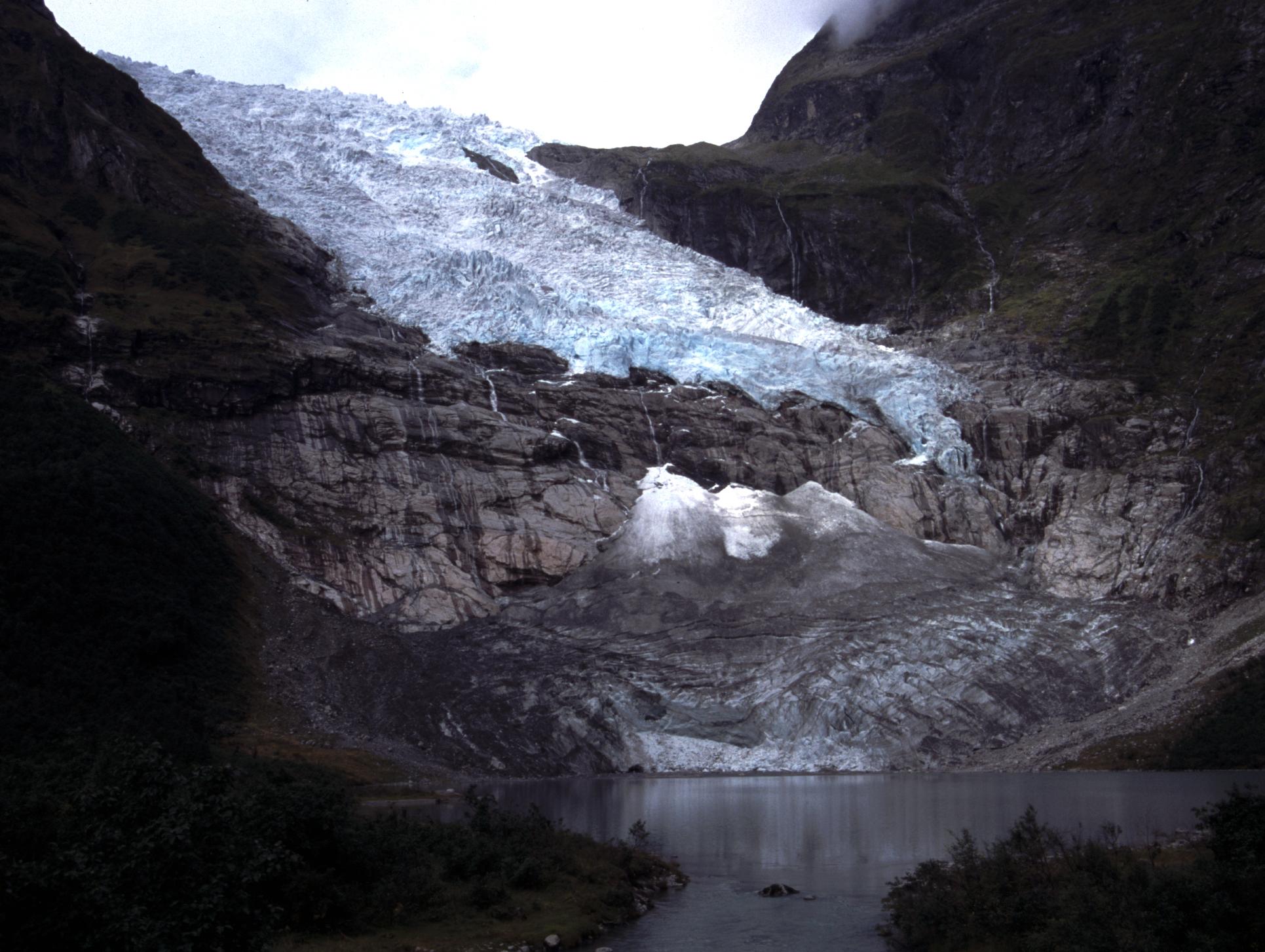Bøyabreen Glacier 2001