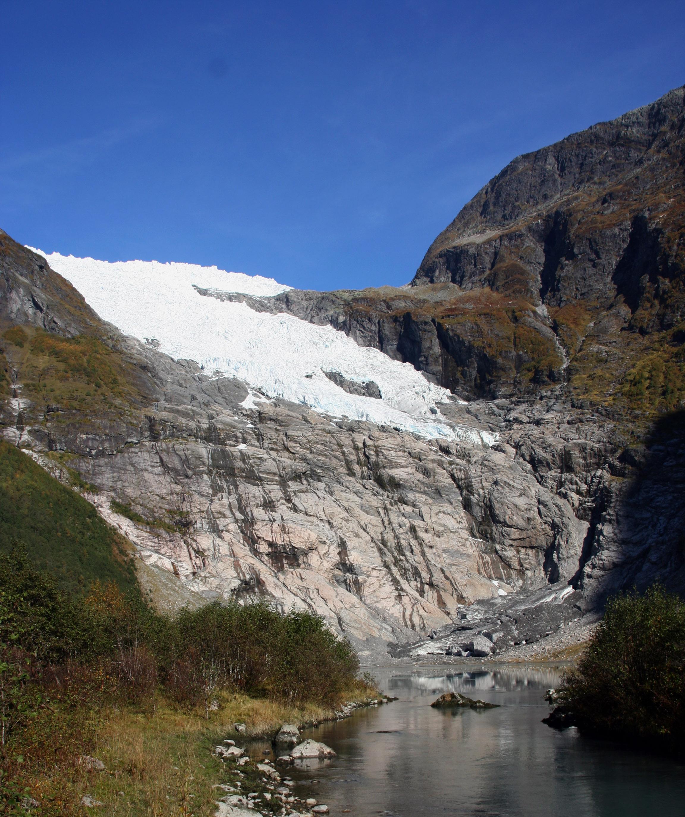 Bøyabreen Glacier 2010