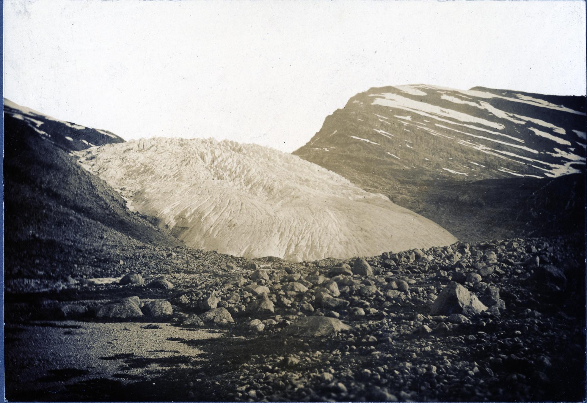 Haugabreen Glacier in the 1930s