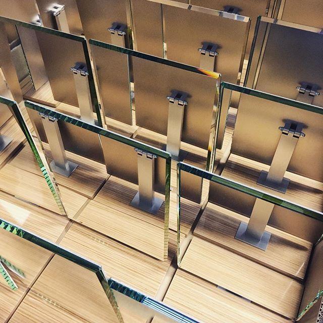 Baselworld. Le compte à rebours a commencé et on aime déjà cette nouvelle édition. Présent pour l'événement depuis les années 60.  #mhdecors #exhibition #luxury #mirrors #wood #details #watches #hautehorlogerie #manufacture #swissmade #local #knowhow #myswitzerland #vaud #swisscraft #switzerland #design #vscocam #legacy
