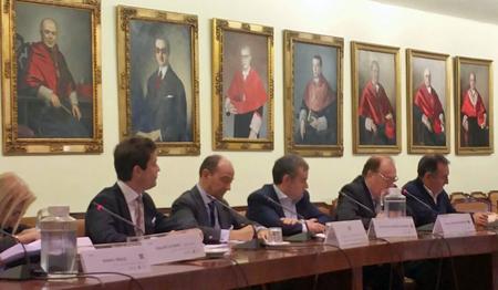 De izda. a dcha. Dª Elisa DE LA NUEZ, D. Germán RUÍZ, D. Raúl CANOSA, D. José Enrique NÚÑEZ, D. Ángel JUÁREZ y D. Enrique SANTIAGO.