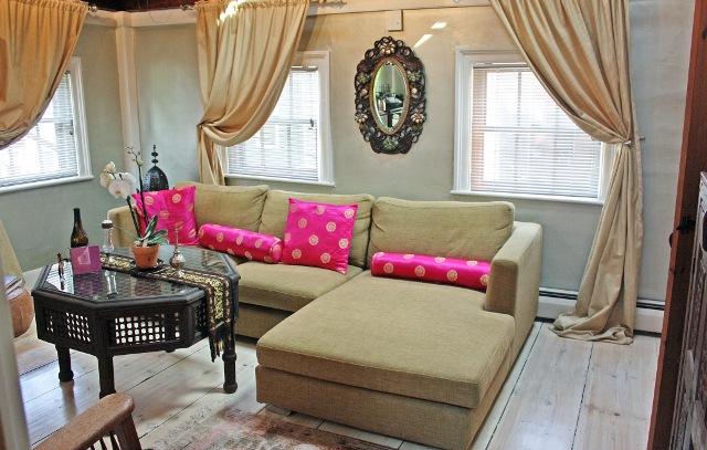 Moroccan suite, sitting room (640x407).jpg