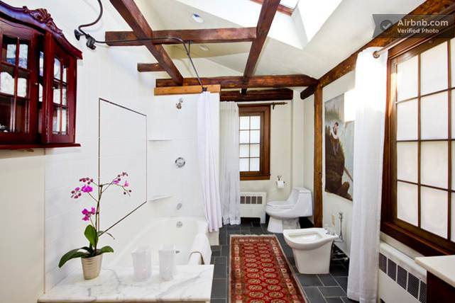 Bathroom, Salem Court Suite.jpg