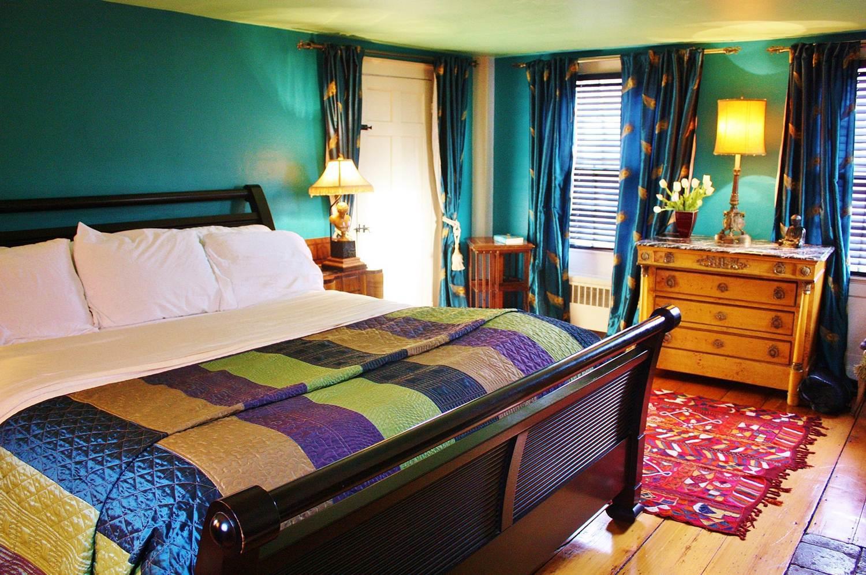 Salem Court bedroom, king bed.jpg