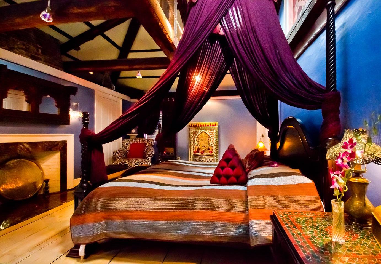 Moroccan+Suite,+Master+Bedroom Bruins ad.jpg